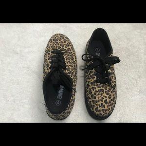 Shoes - Cute cheetah/ leopard print shoes